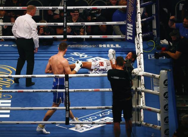Lenin Castillo, boxeador dominicano, es hospitalizado tras recibir brutal nocaut
