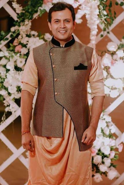 Abhinav Kohli sebagai Dilip Singh