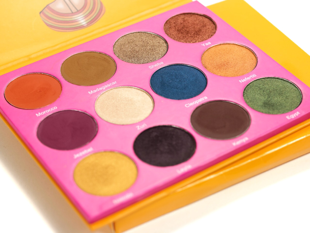 Juvia's Place The Nubian 2 Avis et Swatch Juvia's Place The Masquerade Palette Avis et Swatch