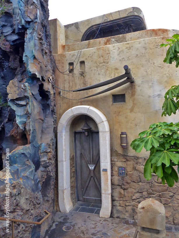 STAR WARS: Galaxy's Edge The Black Spire Outpost Walt Disney World blue rocks and door