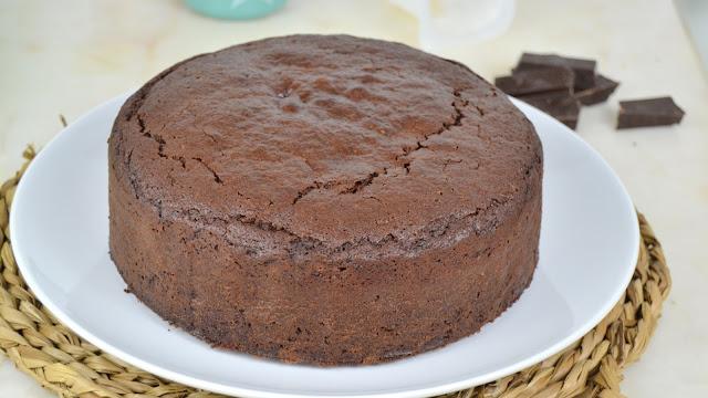 Bizcocho De Yogur Y Chocolate Fácil Y Jugoso ¡sin Pesar Ingredientes!