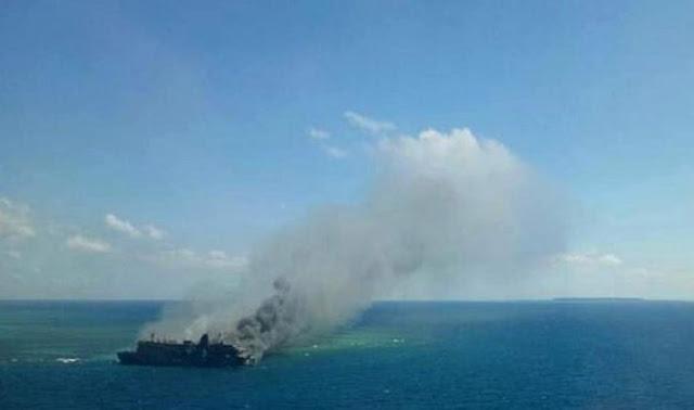 Kapal Penumpang KM Santika Nusantara, terbakar Di Perairan Pulau Masalembu