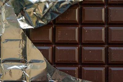 هل الشوكولاته تسبب الامساك أم الاسهال؟