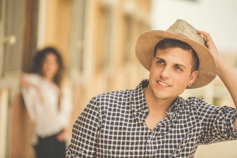 sombrero camisa cuadros