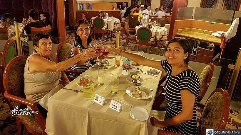 Jantar no navio no 6º dia - Diário de bordo: Cruzeiro pelo Caribe