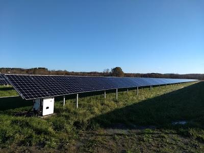 Solcelllsanläggning på marken