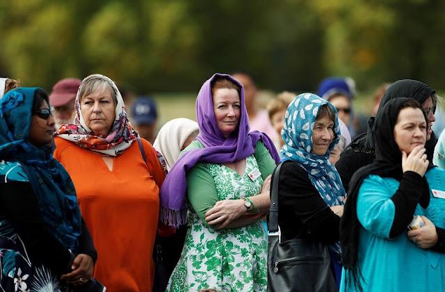 Dukung Muslim Setelah Aksi Teror, Wanita Selandia Baru Ramai-ramai Berkerudung
