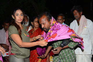 Actress Sri reddy (apthatrust director) Distrubuted Blankets for Orphans at Sai Baba Temple  0052.JPG