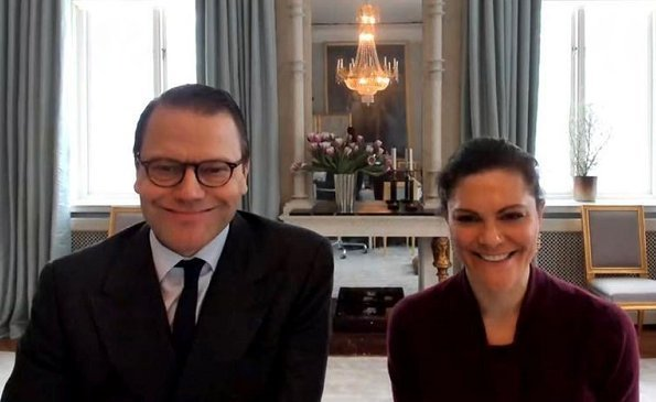 Crown Princess Victoria wore a Sasha cool wool blazer from Filippa K. Mayor of Uppsala Municipality and chair of the City Executive Board Erik Pelling
