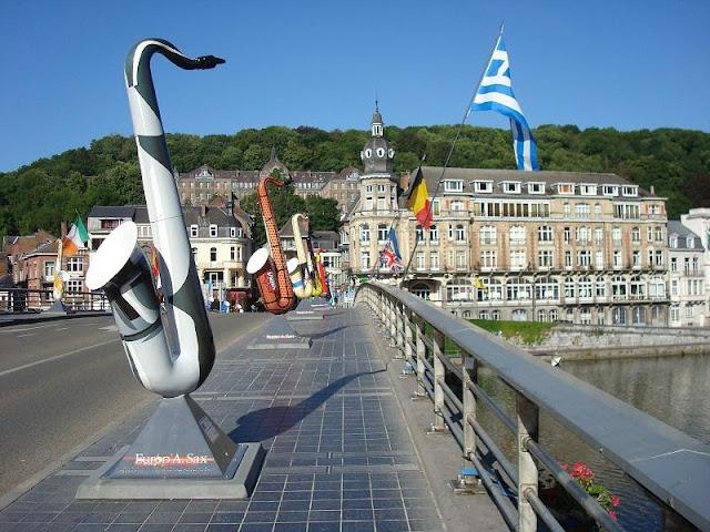 Dinant  ville belge wallonne