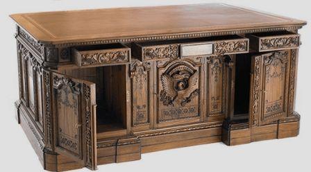 Presidential-Desk