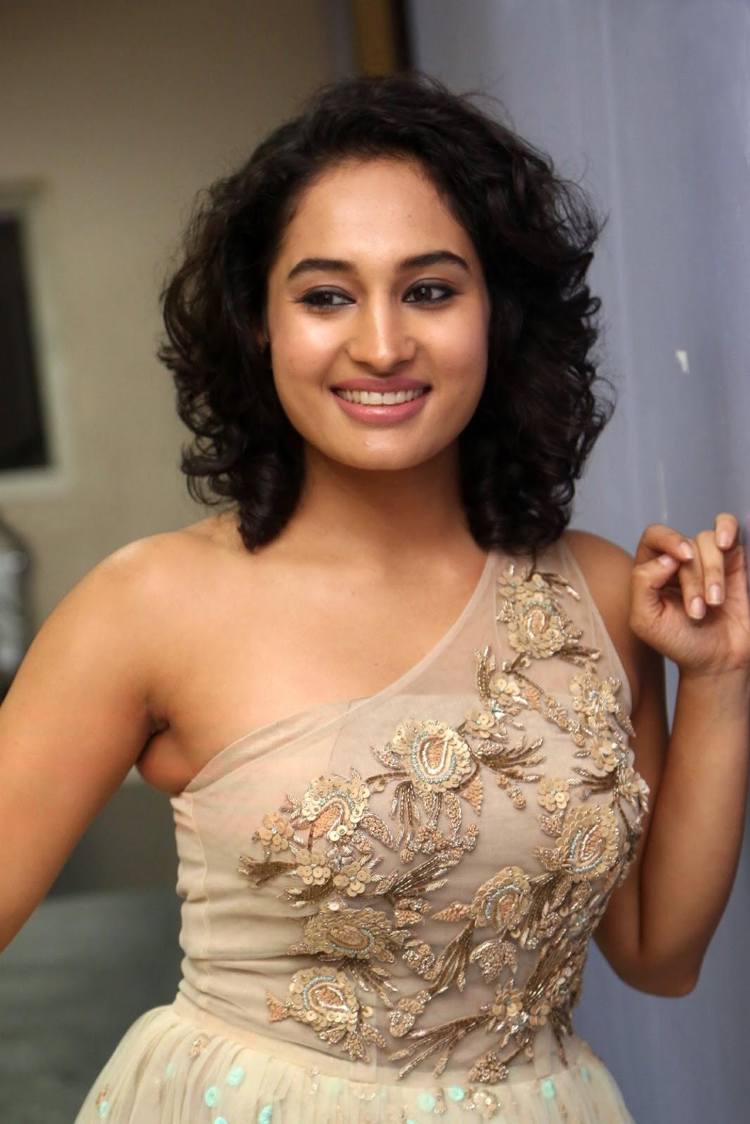very sexy fack miss pooja