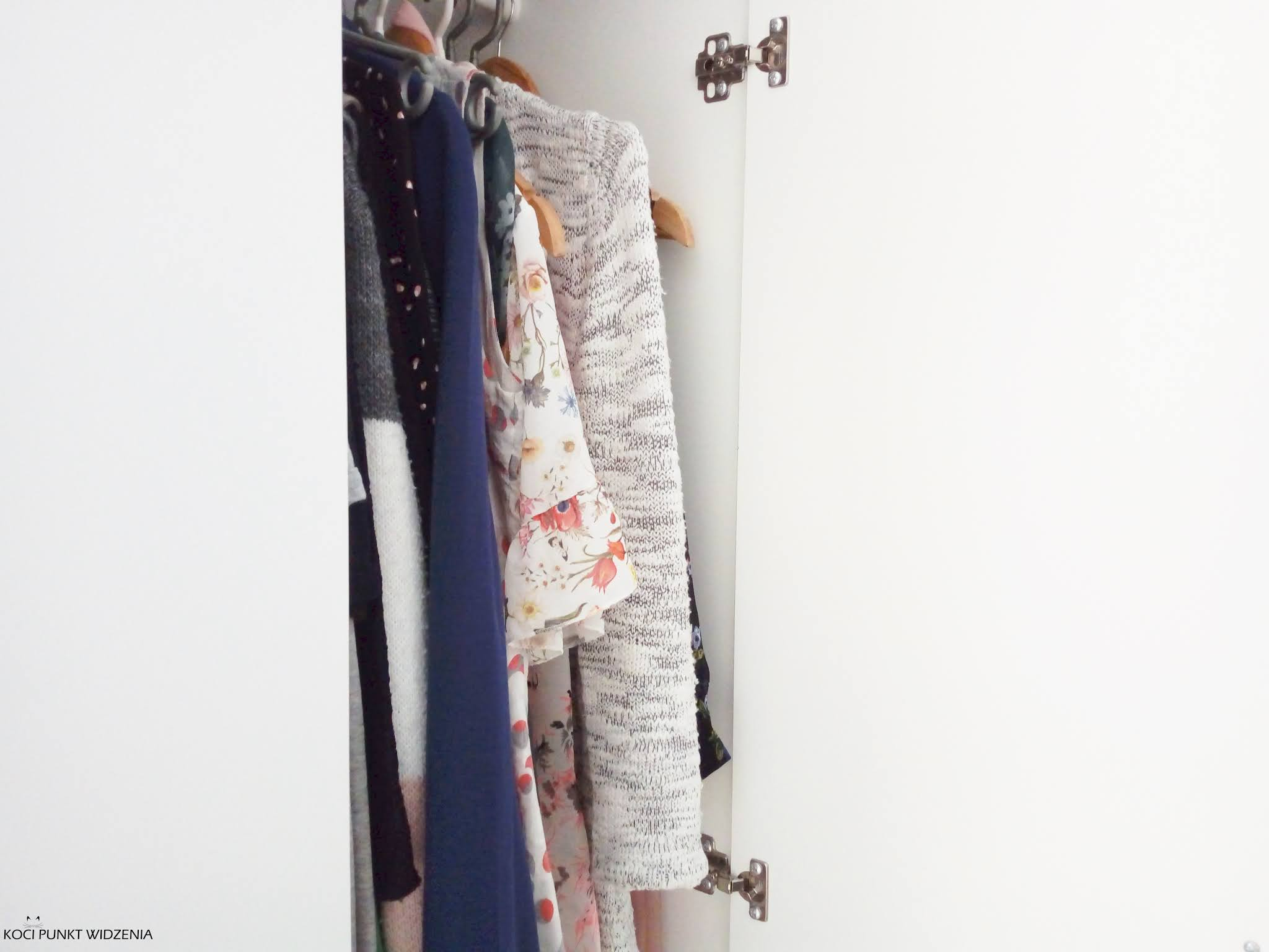 minimalistyczna garderoba krok po kroku