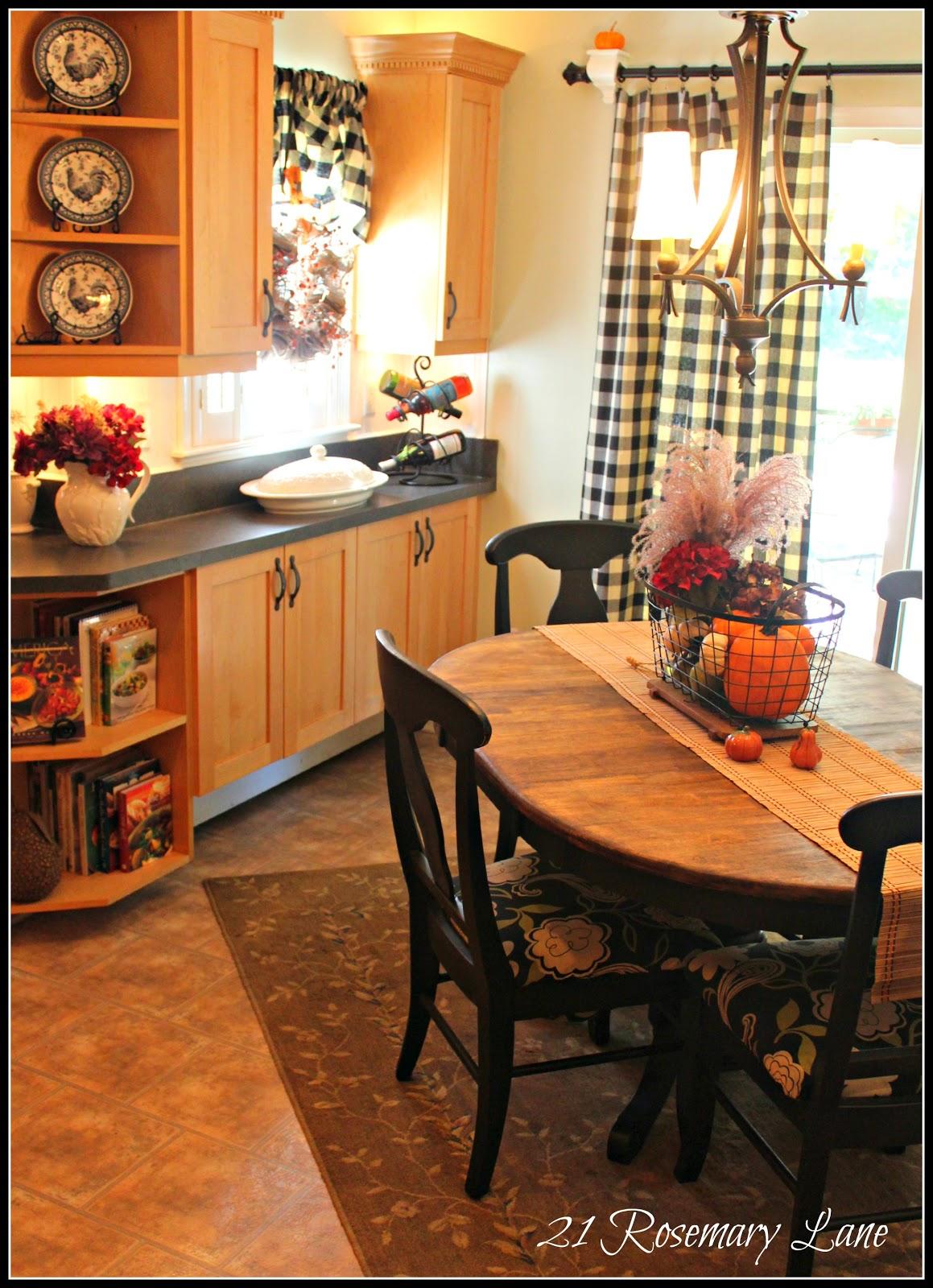 Farmhouse Kitchen Valance Pattern