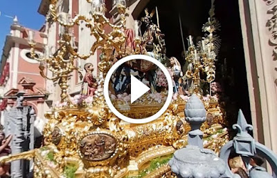 Paso de la SAgrada entrada en Jerusalen conocido como la borriquita, Titular de la HErmandad del Amor de Sevilla en su salida procesional el domingo de ramos de 2017 en la semana santa de sevilla