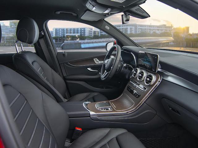 Đánh giá Mercedes GLC 200 4MATIC 2021