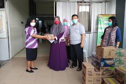 Peduli Tenaga Medis Melawan Covid-19, Komite dan Ikwam SMP Mutual Bagikan Suplemen dan APD di RSU Tidar