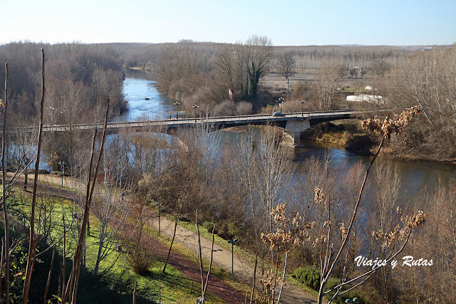 Río Esla a su paso por Valencia de Don Juan