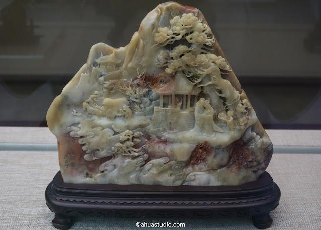 Flower jade carving