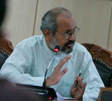 Senator Ghazali Abbas dukung Pergub APBA 2017