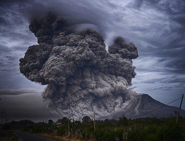 dampak negatif aktifitas vulkanik