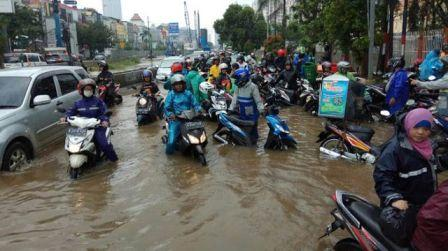 Dianggap Tidak Bisa Menangani banjir,Kadis SDA Diminta Mundur