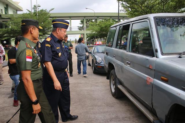 3 Mobil Mewah Ilegal Asal Malaysia Diserahkan Ke Bea Cukai Kalbar