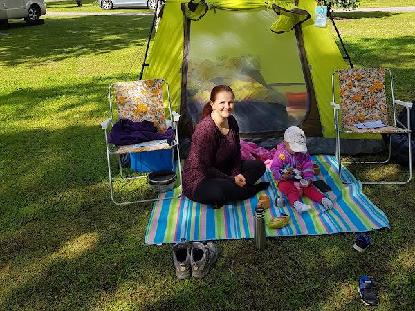 Yhden yön telttaretki taaperon kanssa