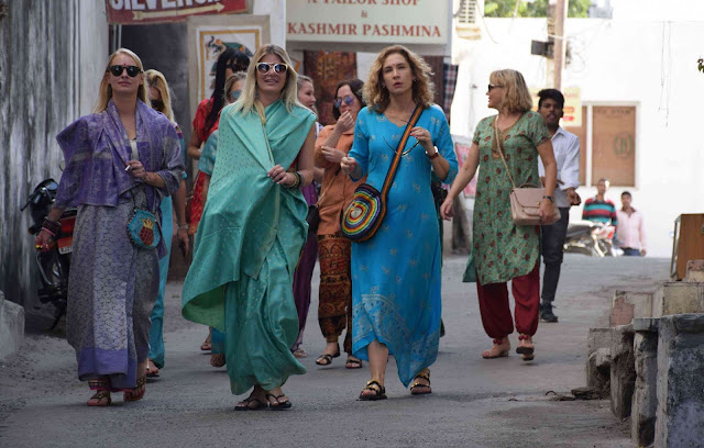 Image Attribute: The file photo of foreign tourists in Jaipur, Rajasthan / Source: Wikimedia