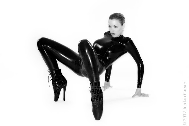 Jordan-Carver-Sandine-Hot-Photoshoot-in-Catsuit-356311