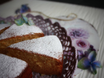 torta al latte caldo e miele