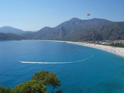 Conoce Ölüdeniz la playa paradisiaca de Turquía