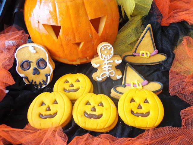 Z cyklu: Dla dzieci - Dyniowe ciasteczka na Halloween (Biscotti di zucca per Halloween)