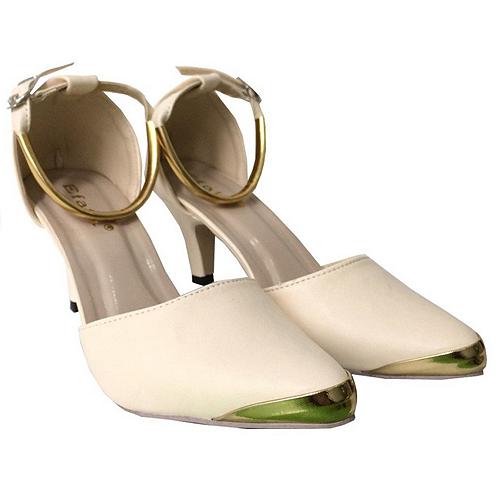 High heels murah Rp100 ribu masih ada kembaliannya