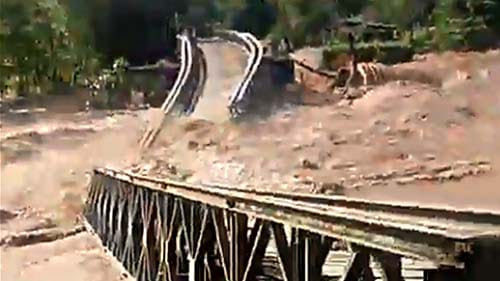 Sebelum Ambrol, Jembatan Molintogupo Sedang Dalam Proses Pembangunan Jembatan Baru
