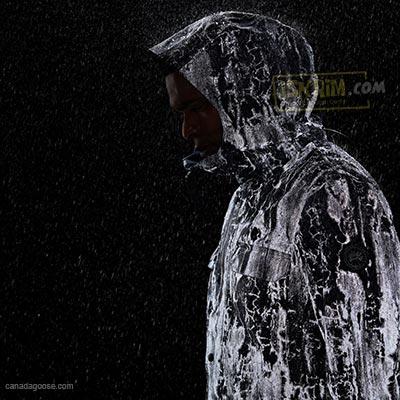 http://www.iskrim.com/2018/05/jas-hujan-awet-canggih-glow-in-dark-canada-goose.html
