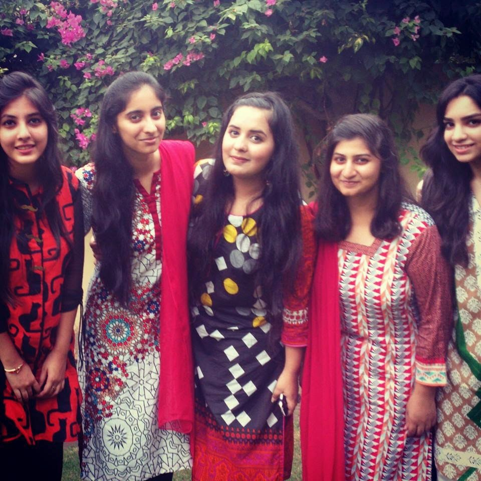Pakistani School Girls Hot Pics