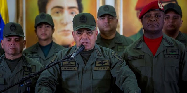"""Padrino López tilda de """"ofensiva"""" denuncia del comandante de la FAN de Colombia sobre permanencia del ELN en Venezuela"""