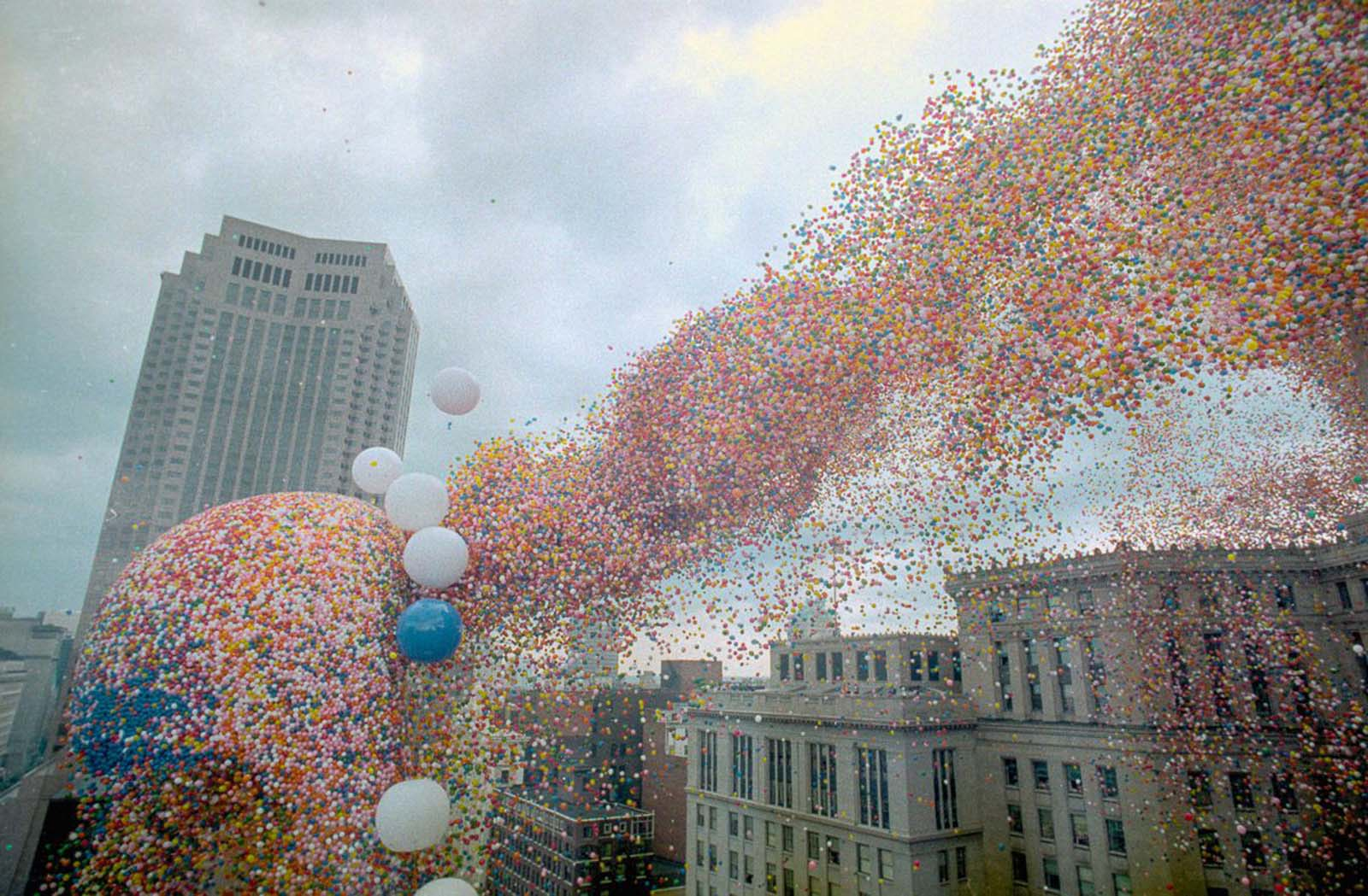 Balloonfest '86 was a 1986 event in which the United Way of Cleveland in Ohio set a world record by releasing almost one-and-a-half million balloons.