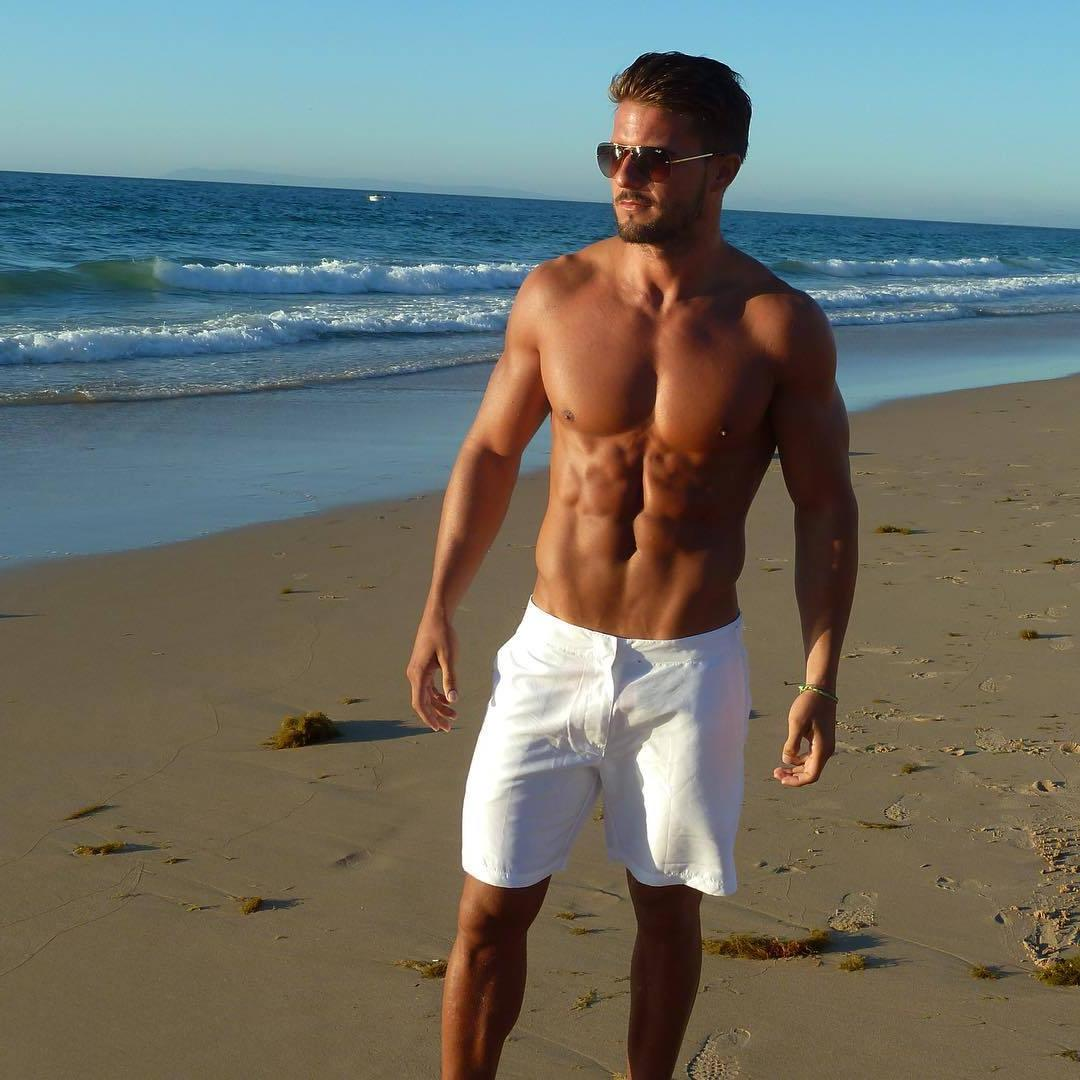 shirtless-sixpacks-abs-beach-daddy-antonio-pozo-pictures