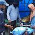 गिद्धौर : सेवा गांव पहुंचे गौरव सिंह राठौड़, दिवंगत बालक के परिजनों को दिया राशन