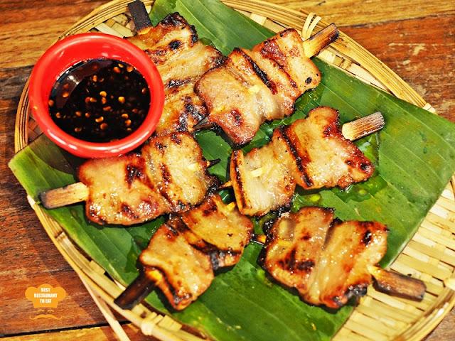 Naughty Nuri's Wah Tusuk Babi
