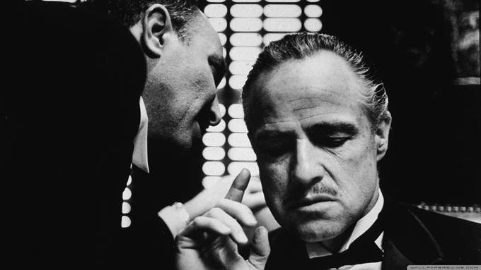 Marlon Brando como Dom Vito Corleone