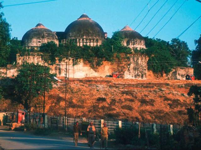 Akhirnya, Situs Suci Ayodhya Diberikan kepada Umat Hindu