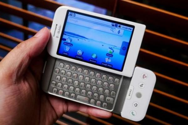 بعد مضي 11 سنة على إطلاقه.. هل تتذكر أول هاتف أندرويد؟