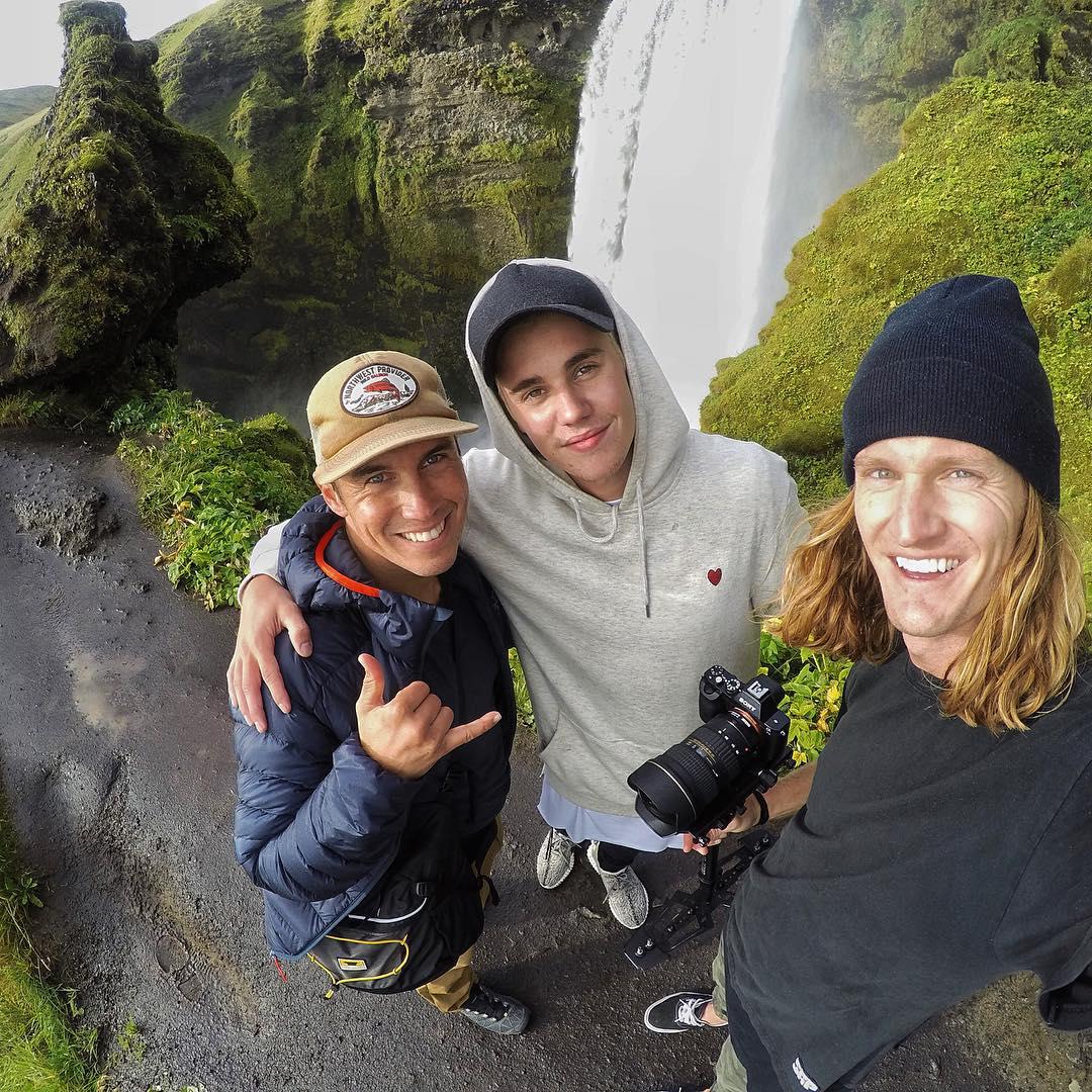 Justin con sus amigos visitando Islandia ~ Justin Bieber ...