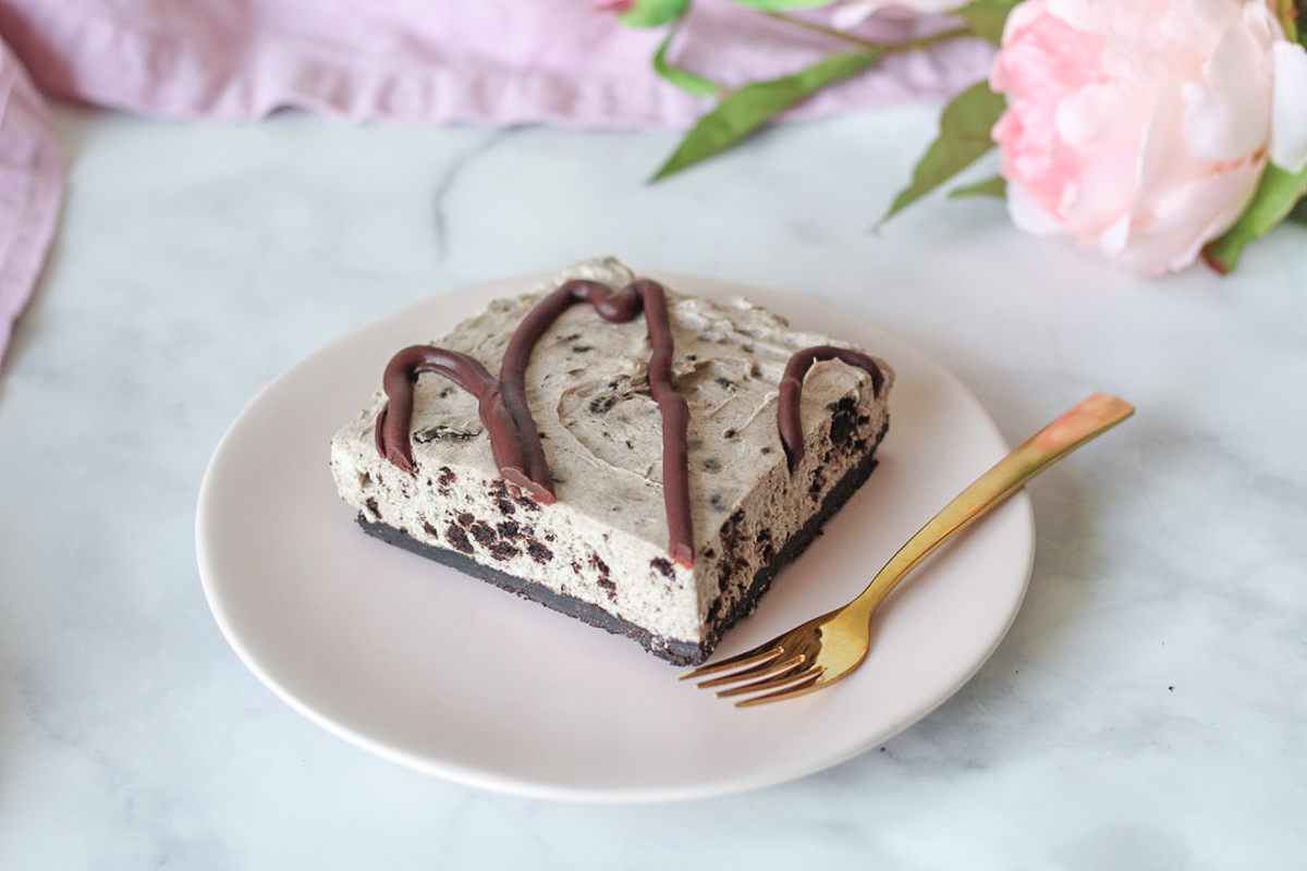 The Perfect Summer Dessert: No Bake Oreo Cheesecake