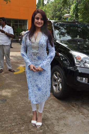 Sonia Agarwal at Oru Nadiin Vakku Moolam Audio Launch (14).jpg