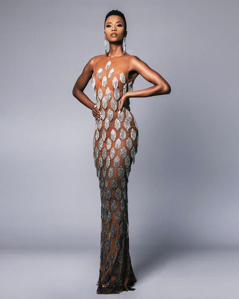Model seksi dan manis Zozibini Tunzi