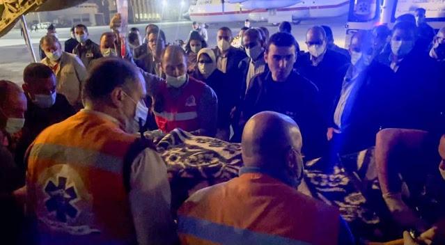 وزيرة الصحة تصل إلي القاهرة برفقة ٣ من مصابي حادث قطاري سوهاج لتلقي الخدمة الطبية بمعهد ناصر